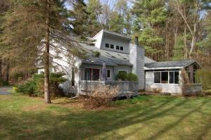3 Nicklaus Dr, Wilton, NY 12831
