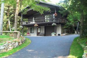 608 East Shore Dr, Adirondack, NY 12808