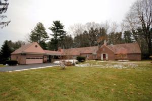 13 Fort Amherst Rd, Glens Falls, NY 12801