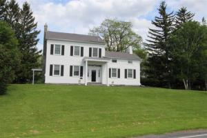 560 Meadowdale Rd, Altamont, NY 12009