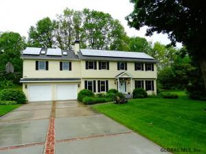 13 Lake View Dr, Queensbury, NY 12894