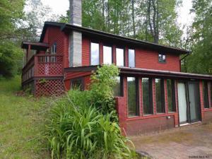 156 Camp Rd, Gloversville, NY 12078