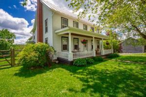 951 Corbin Hill Rd, Sprakers, NY 12166