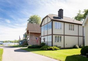 Waterfront Homes For Sale In Lake George, Sacandaga & More