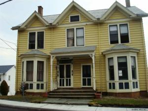 72 Main St, Coeymans, NY 12045