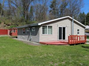 32 Twin Channels Rd, Queensbury, NY 12804