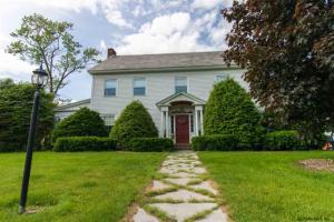 4 Garrison Rd, Queensbury, NY 12804
