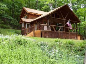 1105 North Shore Rd, Hadley, NY 12835