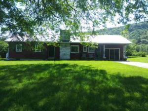 39 Black Point Rd, Ticonderoga, NY 12883