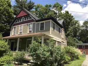 92 Ludlow St, Saratoga Springs, NY 12866