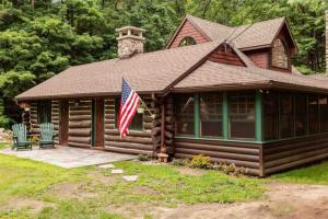 11 Village Estates Ln, Lake George, NY 12845