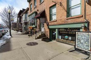 227 Lark St, Albany, NY 12210-1101