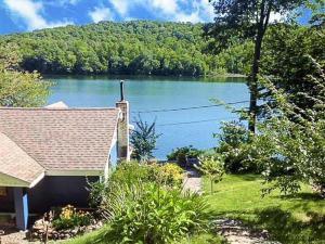 534 Scotts Lake Rd, Salem, NY 12865