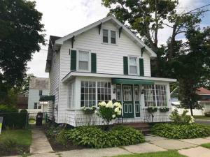 50 Webster St, Saratoga Springs, NY 12866
