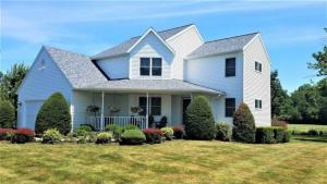 3 Armstrong Dr, Altamont, NY