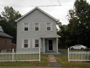 4 8th St, Waterford, NY 12188-2228