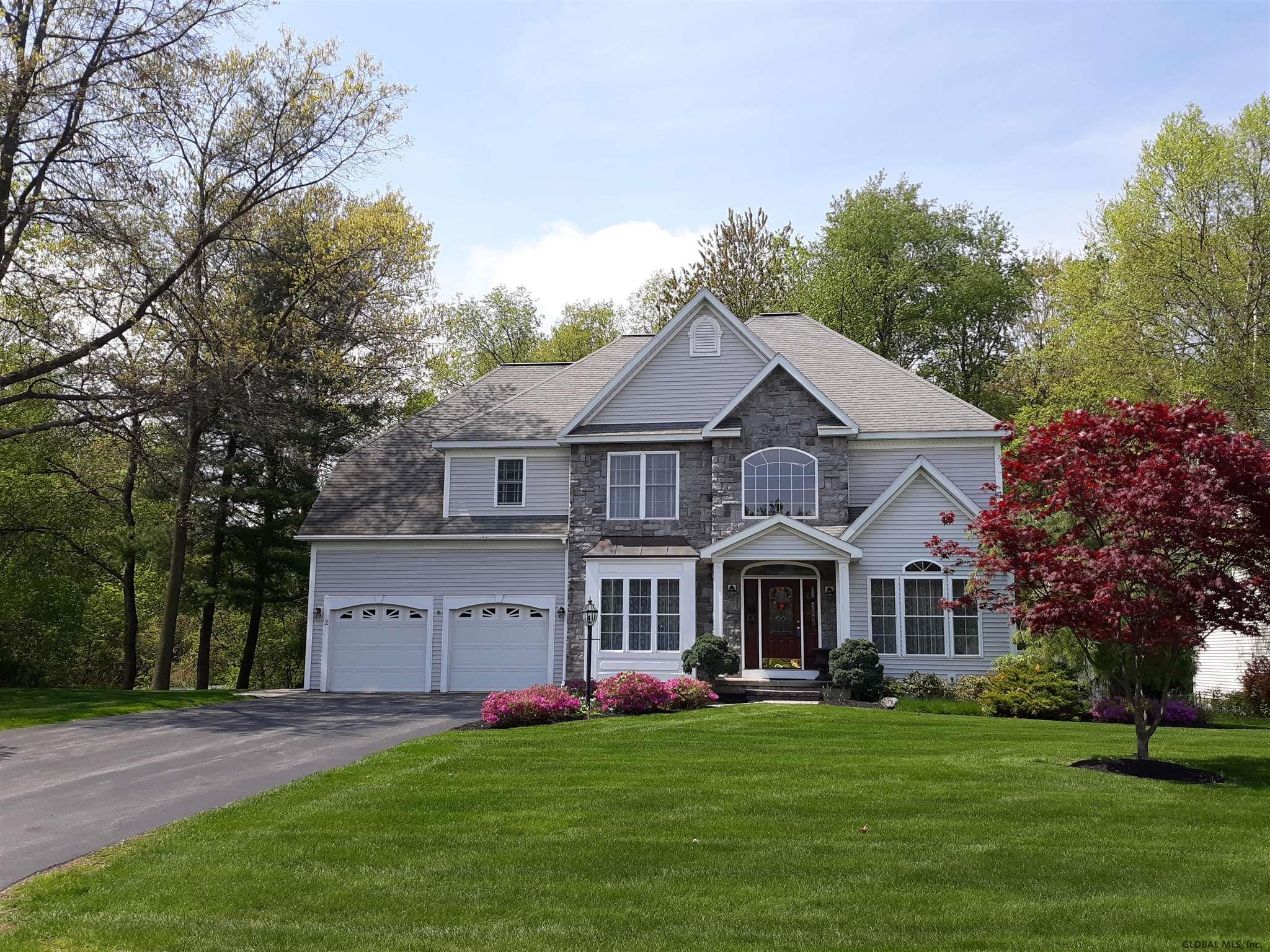 2 Cathywood Ct In Clifton Park Ny Listed For 425 000 00