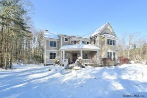 5 Cherry Tree La, Saratoga Springs, NY 12866