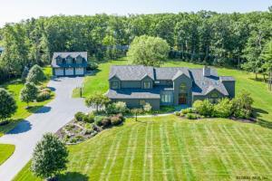 135 Swift Rd, Voorheesville, NY 12186-5029