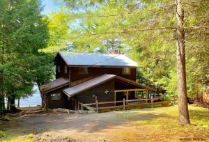14 Wax Way, Schroon Lake, NY 12870