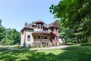 23 Dyer Switch Rd, Saratoga Springs, NY 12866