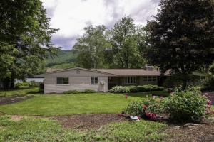 79 Seelye Rd, Cleverdale, NY 12820