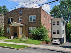 40 Parkwood St, Albany, NY 12208
