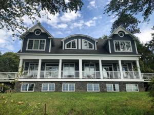 22 Palmer Heights, Saratoga Springs, NY 12866-7203
