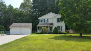 4 Pineview Dr, Greenwich, NY 12834-9763