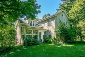 62 Old Queechy Rd, Canaan, NY 12029