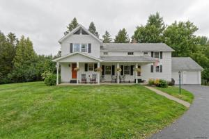 592 Swaggertown Rd, Glenville, NY 12302