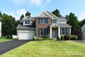 47 Sterling Heights Dr, Clifton Park, NY 12065
