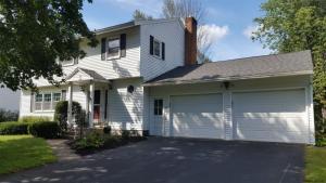 2 Meadow La, Saratoga Springs, NY 12866-9241