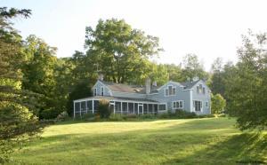 96 Manor Rock Rd, Craryville, NY 12521