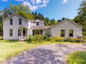 6236 Foundry Rd, Guilderland, NY 12084