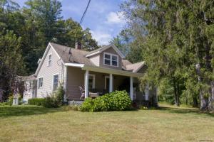 499 Maple Av, Saratoga Springs, NY 12866