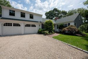 40 Dauphine Dr, Yarmouth Port, MA 02675