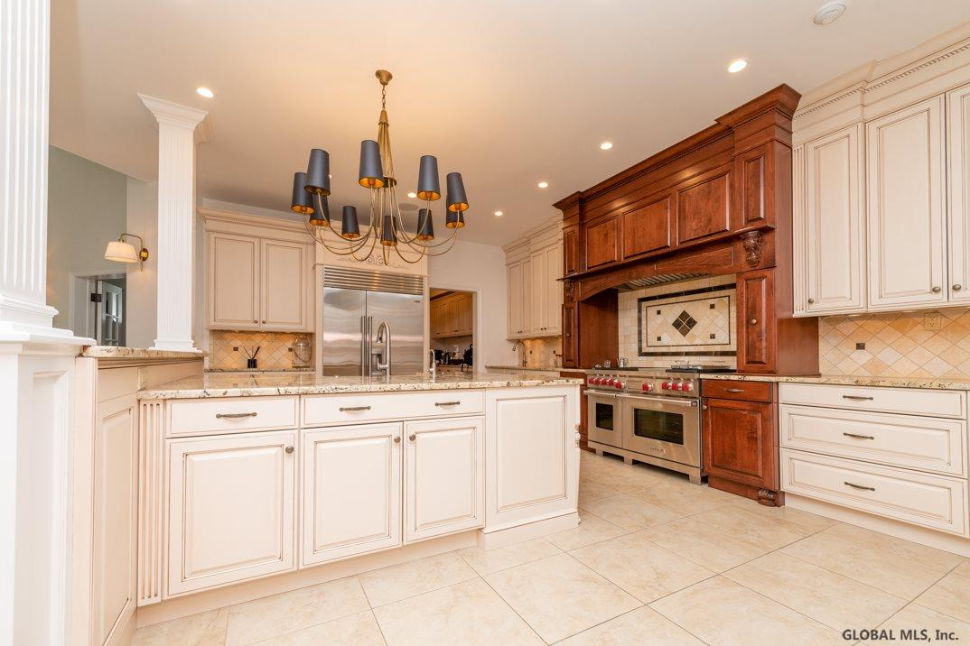 7 Taymor Tr In Clifton Park Ny Listed For 12 000 00 By