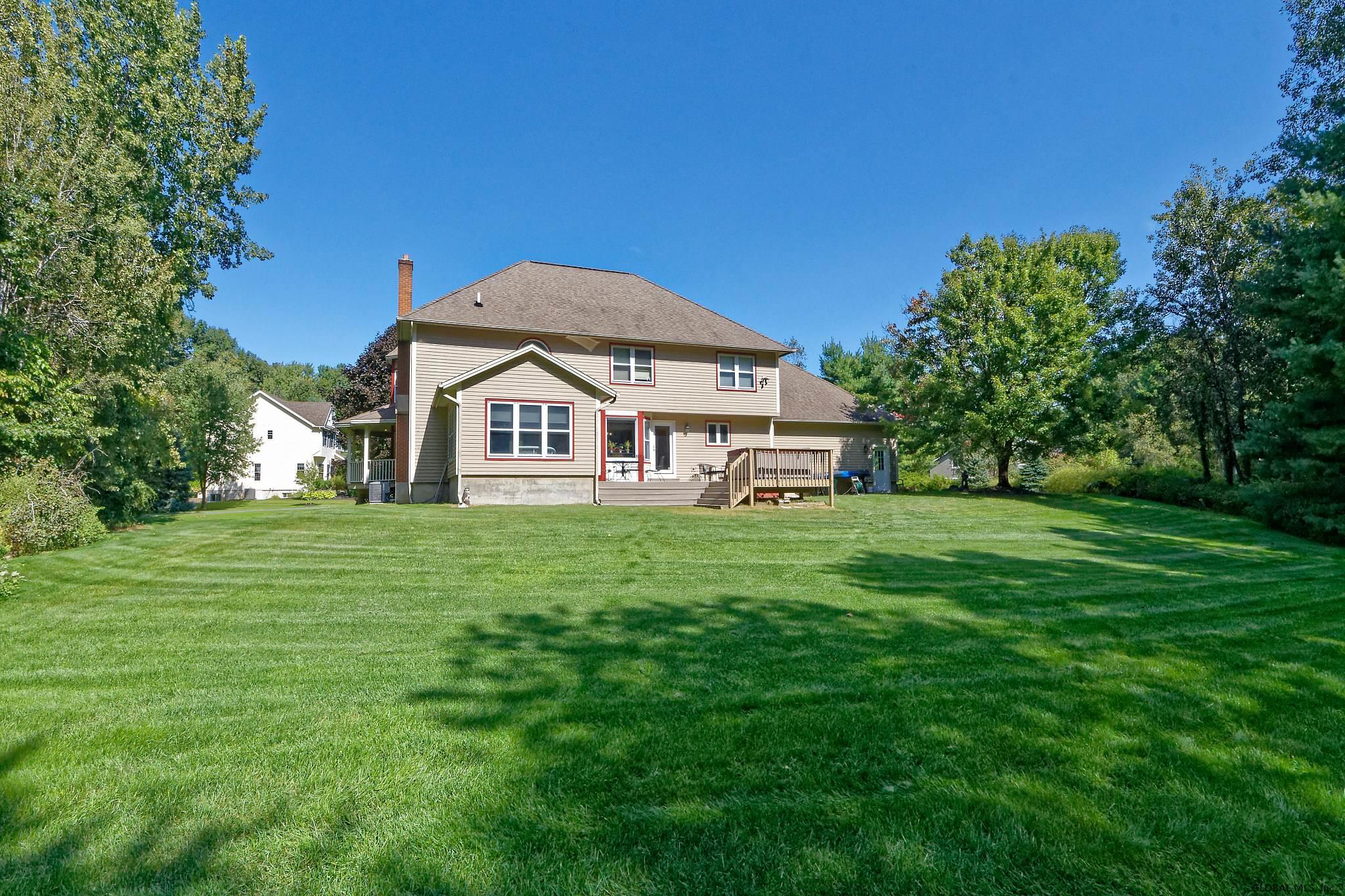 15 Cheviot Ct In Clifton Park Ny Listed For 425 000 00