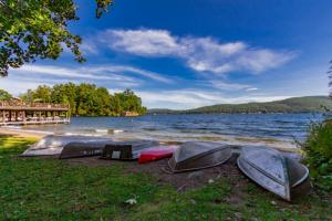 3382 Lake Shore Dr, Lake George, NY 12845