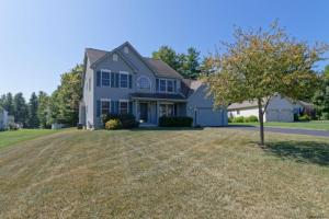 3 Back Stretch Ct, Saratoga Springs, NY 12866