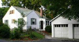 39 East Av, Saratoga Springs, NY 12866
