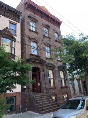 13 Ten Broeck St, Albany, NY 12110