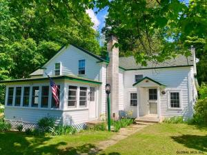 31 Church St, Adirondack, NY 12808