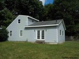 240 Clement Av, Schenectady, NY 12304-4043