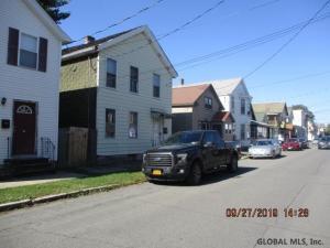 33 James St, Green Island, NY 12183