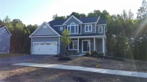 110 Richmond Hill Dr, Queensbury, NY 12077