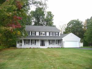 3 Dater Farm Way, Halfmoon, NY 12065-2631