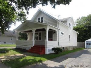 1067 Dean St, Schenectady, NY 12309-5719