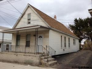 515 Hattie St, Schenectady, NY 12308